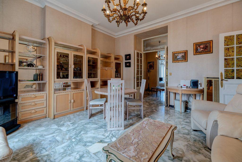 Appartement à vendre 4 120m2 à Nice vignette-4