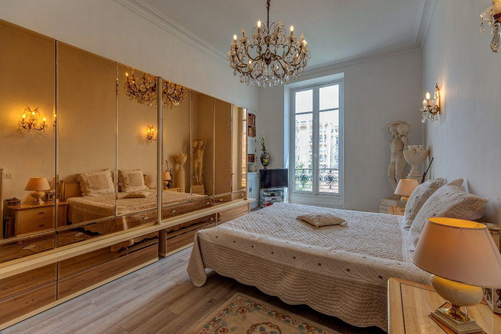 Appartement à vendre 4 120m2 à Nice vignette-5