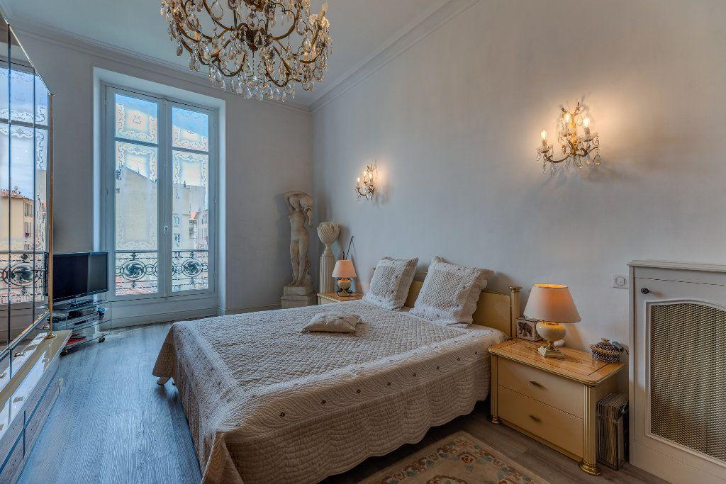 Appartement à vendre 4 120m2 à Nice vignette-6