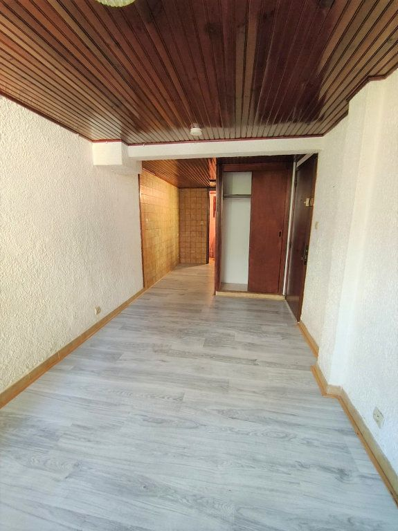 Appartement à louer 1 16m2 à Nice vignette-1