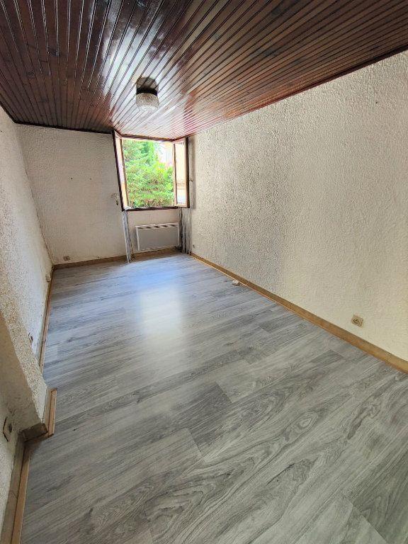 Appartement à louer 1 16m2 à Nice vignette-3