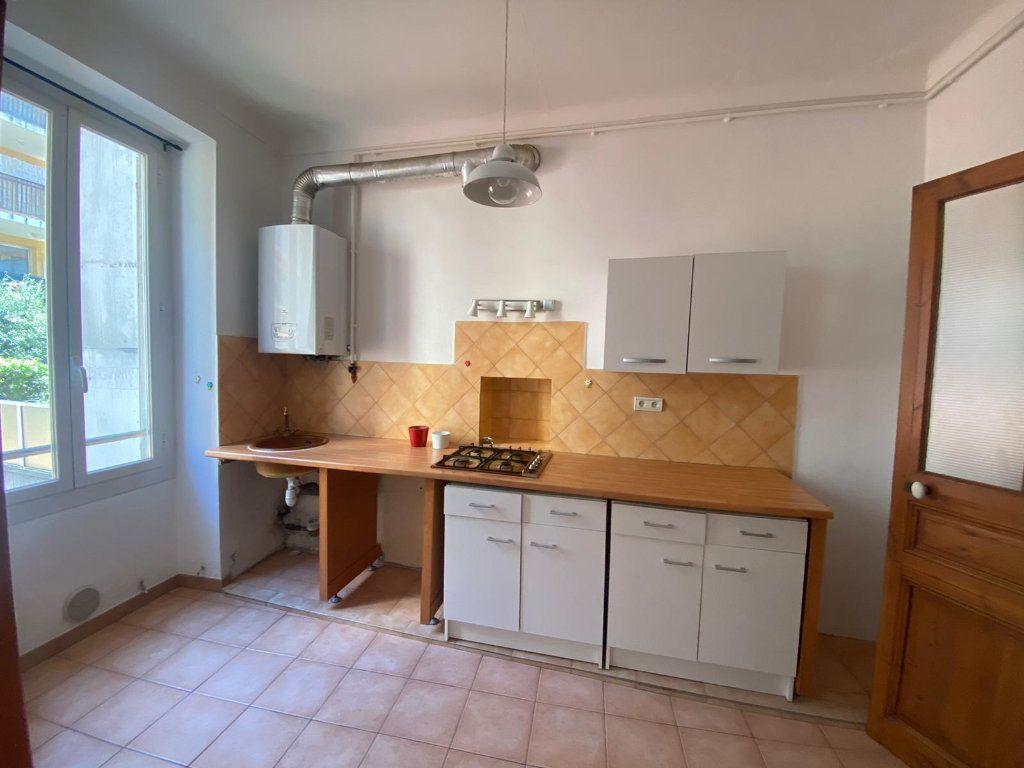 Appartement à louer 3 56.44m2 à Nice vignette-3