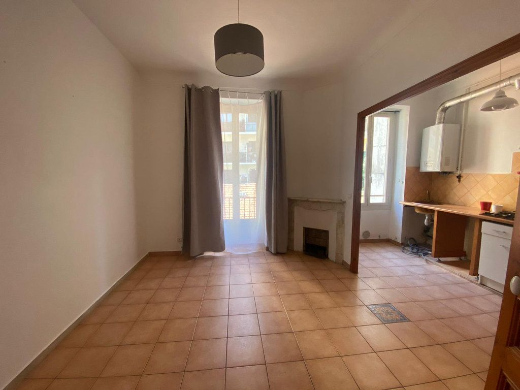 Appartement à louer 3 56.44m2 à Nice vignette-4