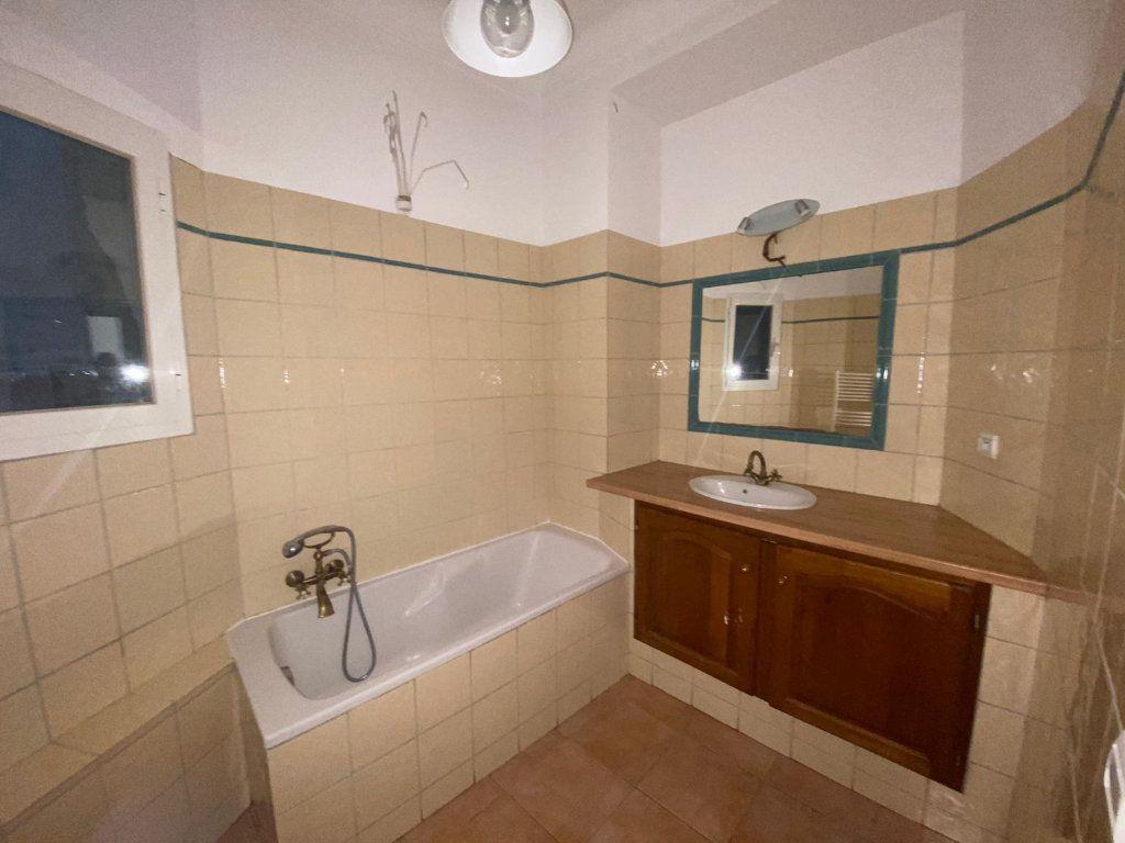 Appartement à louer 3 56.44m2 à Nice vignette-6