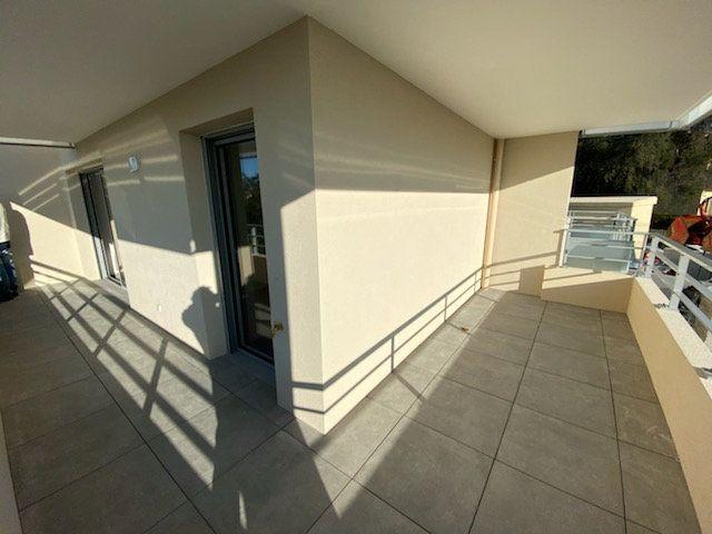 Appartement à louer 2 41.9m2 à Saint-Laurent-du-Var vignette-2