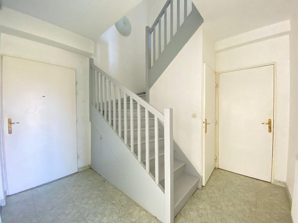 Maison à louer 5 114.5m2 à Nice vignette-5