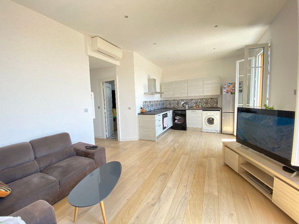Appartement à louer 3 52.2m2 à Nice vignette-1