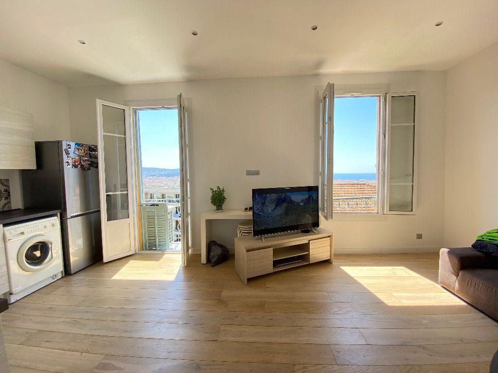 Appartement à louer 3 52.2m2 à Nice vignette-2