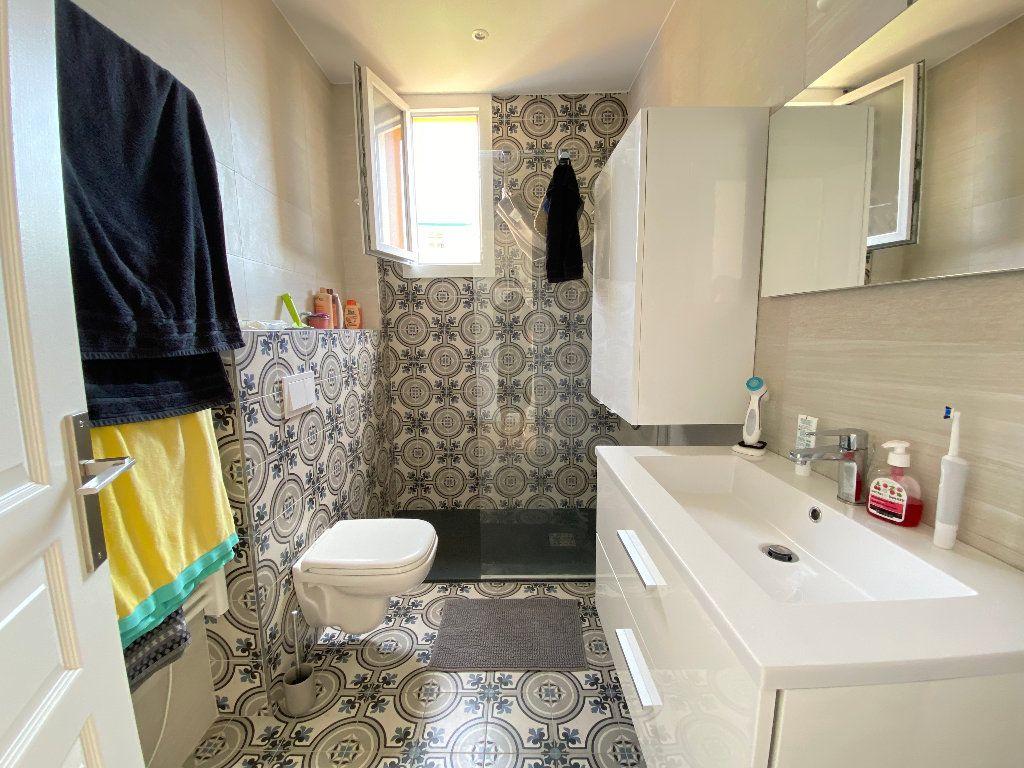 Appartement à louer 3 52.2m2 à Nice vignette-6