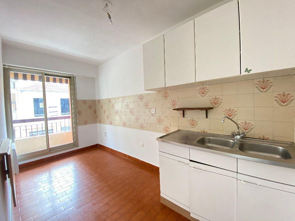 Appartement à louer 1 30.15m2 à Nice vignette-3