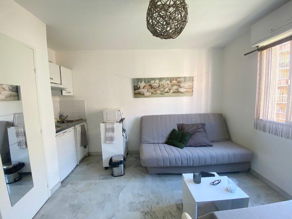Appartement à louer 1 17.6m2 à Nice vignette-2