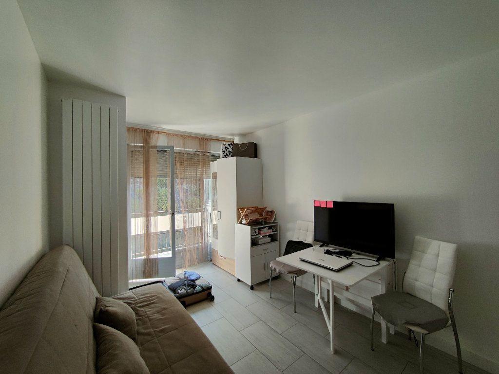 Appartement à louer 1 16.6m2 à Nice vignette-1