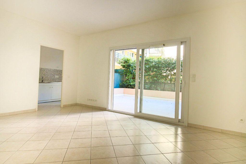 Appartement à louer 3 62m2 à Cagnes-sur-Mer vignette-1