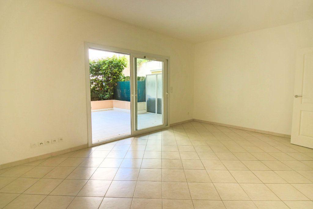 Appartement à louer 3 62m2 à Cagnes-sur-Mer vignette-2