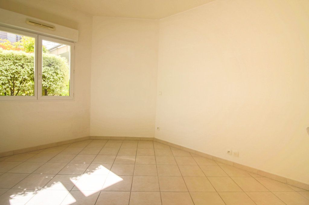 Appartement à louer 3 62m2 à Cagnes-sur-Mer vignette-3