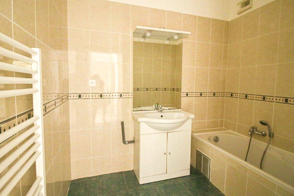 Appartement à louer 3 62m2 à Cagnes-sur-Mer vignette-5