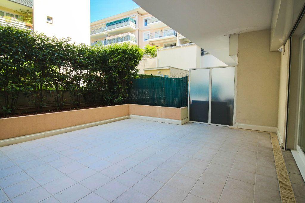 Appartement à louer 3 62m2 à Cagnes-sur-Mer vignette-6