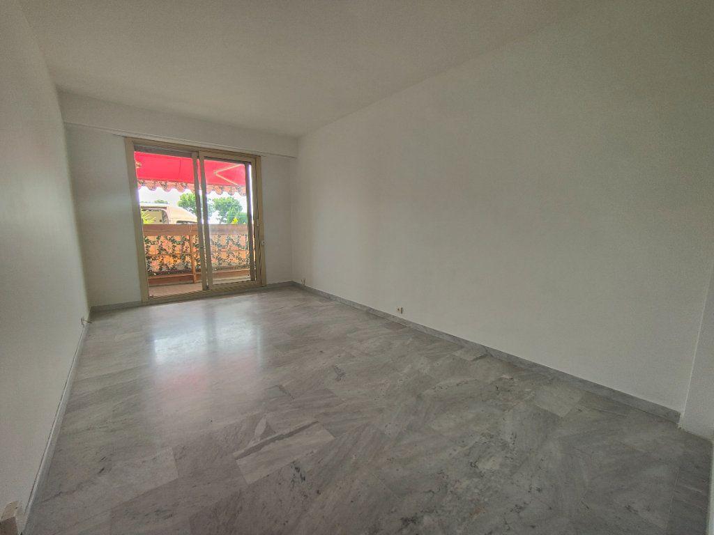 Appartement à louer 1 37.61m2 à Nice vignette-1