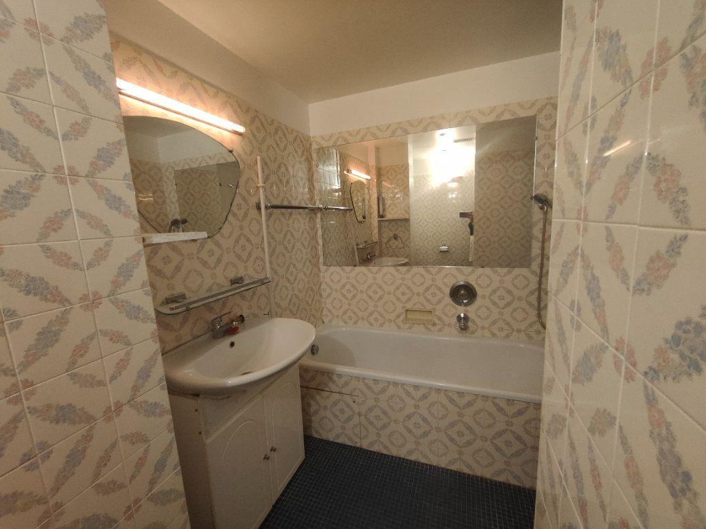 Appartement à louer 1 37.61m2 à Nice vignette-4