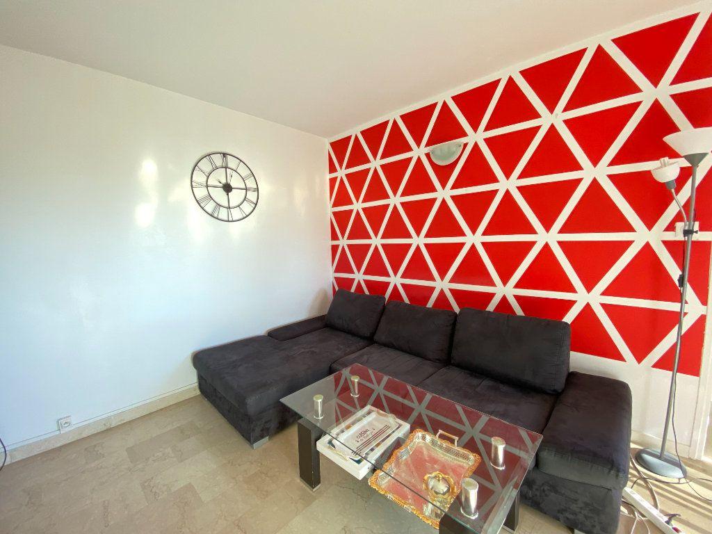 Appartement à louer 2 39.06m2 à Nice vignette-1
