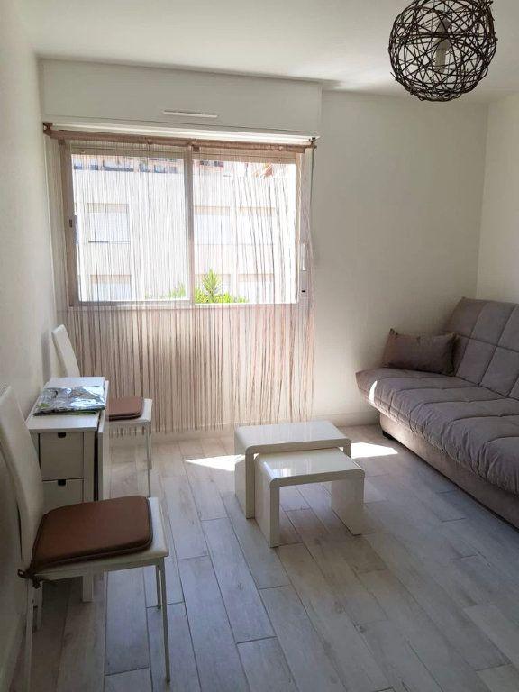 Appartement à louer 1 17.6m2 à Nice vignette-4
