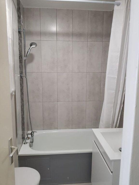 Appartement à louer 1 17.6m2 à Nice vignette-5