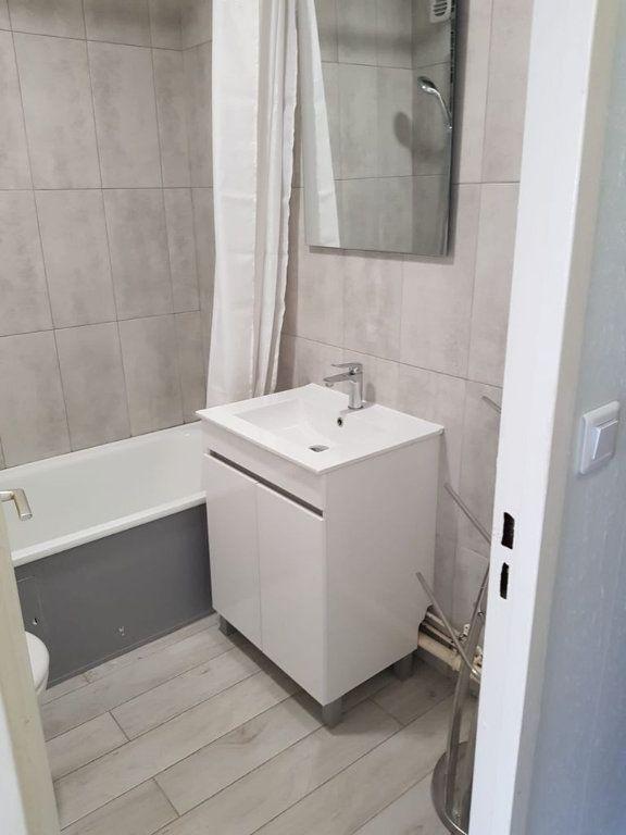 Appartement à louer 1 17.6m2 à Nice vignette-6