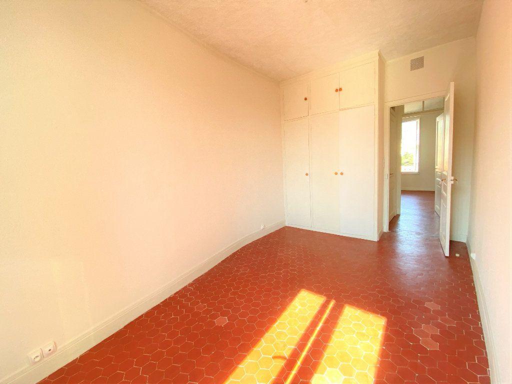Appartement à louer 3 65m2 à Nice vignette-3