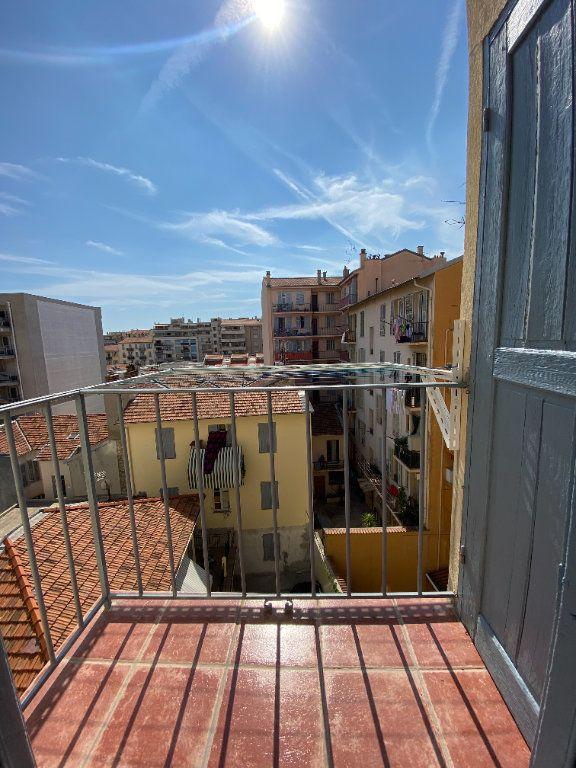 Appartement à louer 3 65m2 à Nice vignette-5