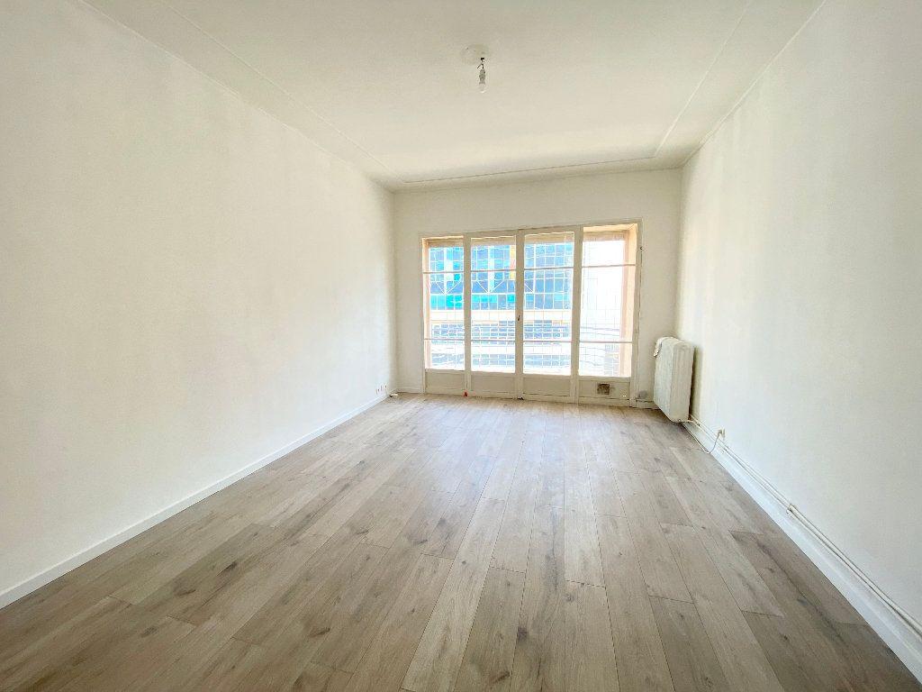 Appartement à louer 2 55m2 à Nice vignette-1