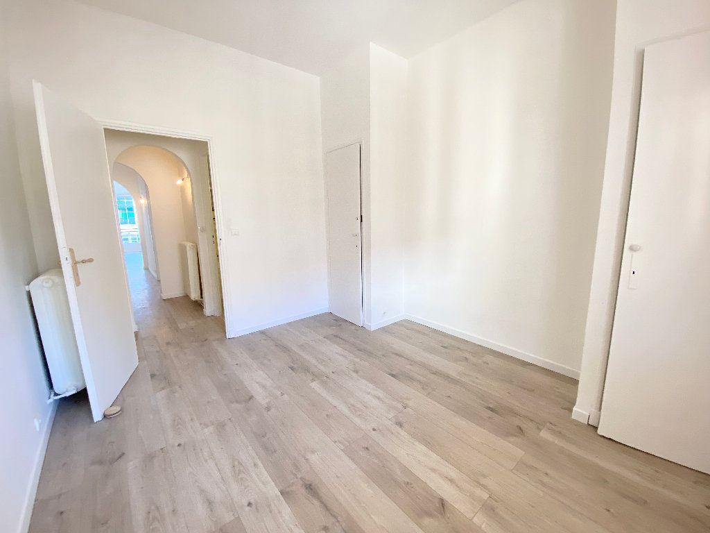 Appartement à louer 2 55m2 à Nice vignette-3