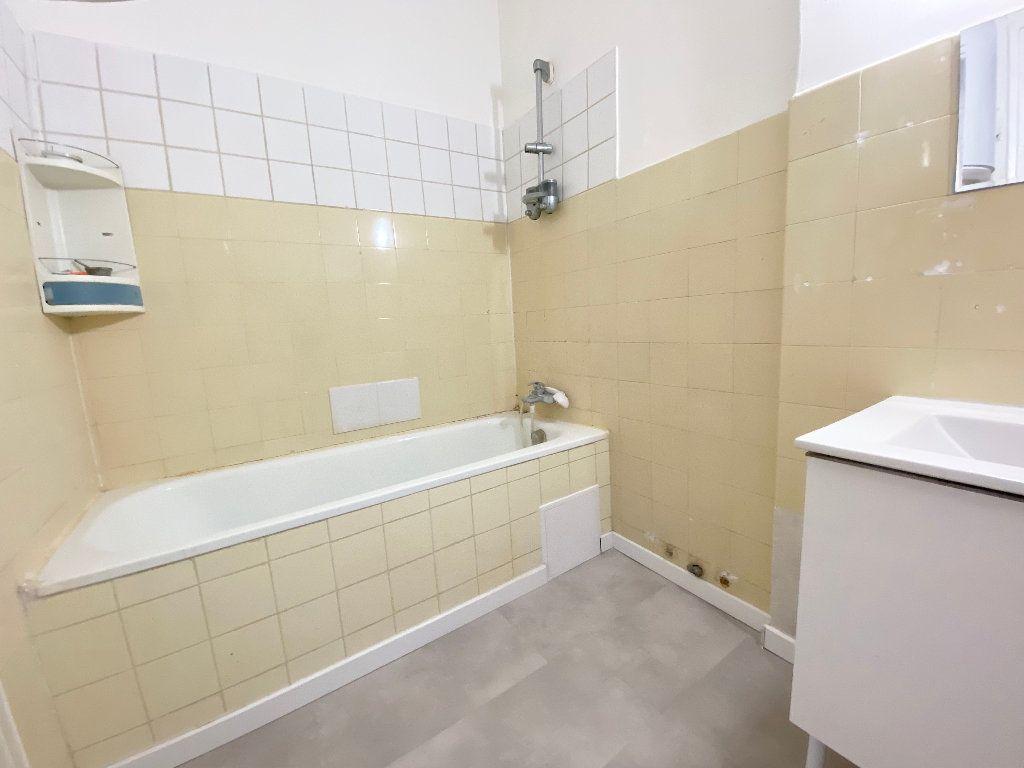 Appartement à louer 2 55m2 à Nice vignette-6