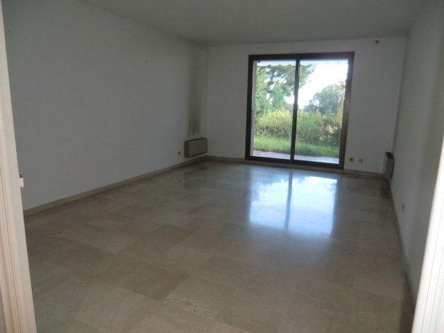 Appartement à louer 3 80.65m2 à Villeneuve-Loubet vignette-3