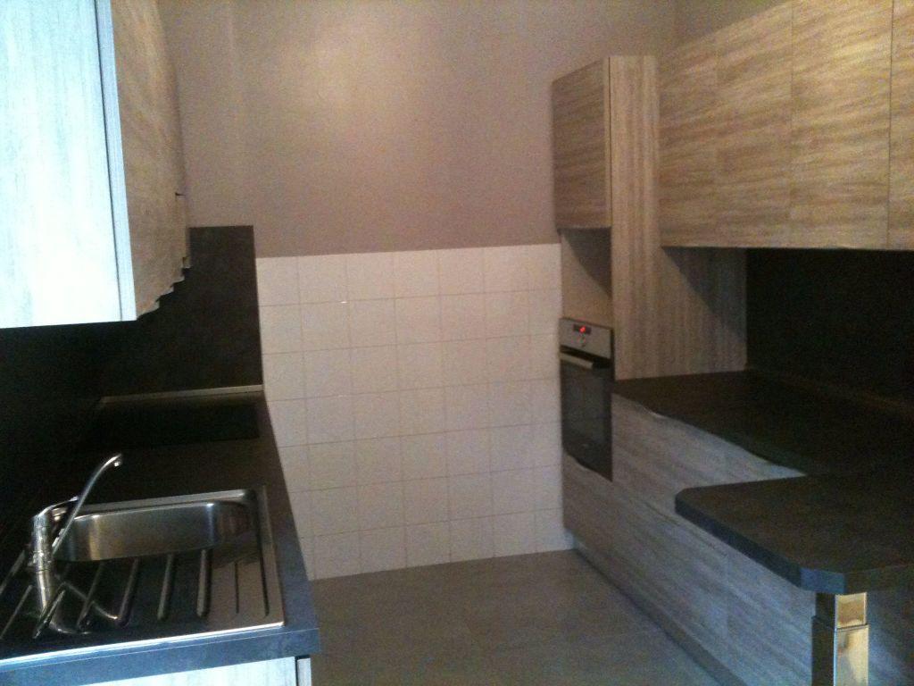 Appartement à louer 3 80.65m2 à Villeneuve-Loubet vignette-4