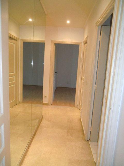 Appartement à louer 3 80.65m2 à Villeneuve-Loubet vignette-8