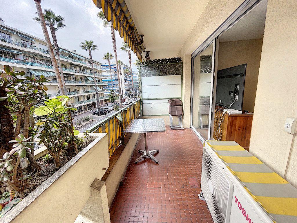 Appartement à louer 1 33.3m2 à Cagnes-sur-Mer vignette-1