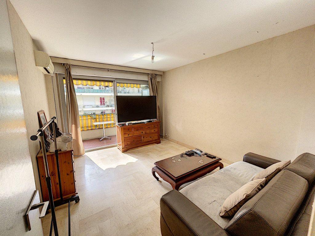 Appartement à louer 1 33.3m2 à Cagnes-sur-Mer vignette-2