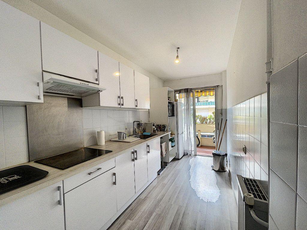 Appartement à louer 1 33.3m2 à Cagnes-sur-Mer vignette-4