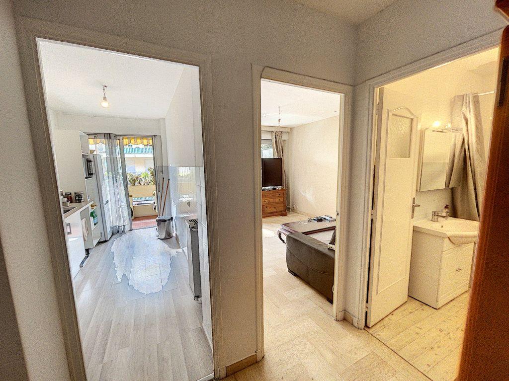Appartement à louer 1 33.3m2 à Cagnes-sur-Mer vignette-5