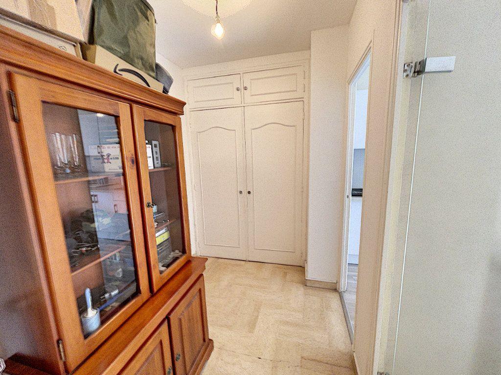 Appartement à louer 1 33.3m2 à Cagnes-sur-Mer vignette-6
