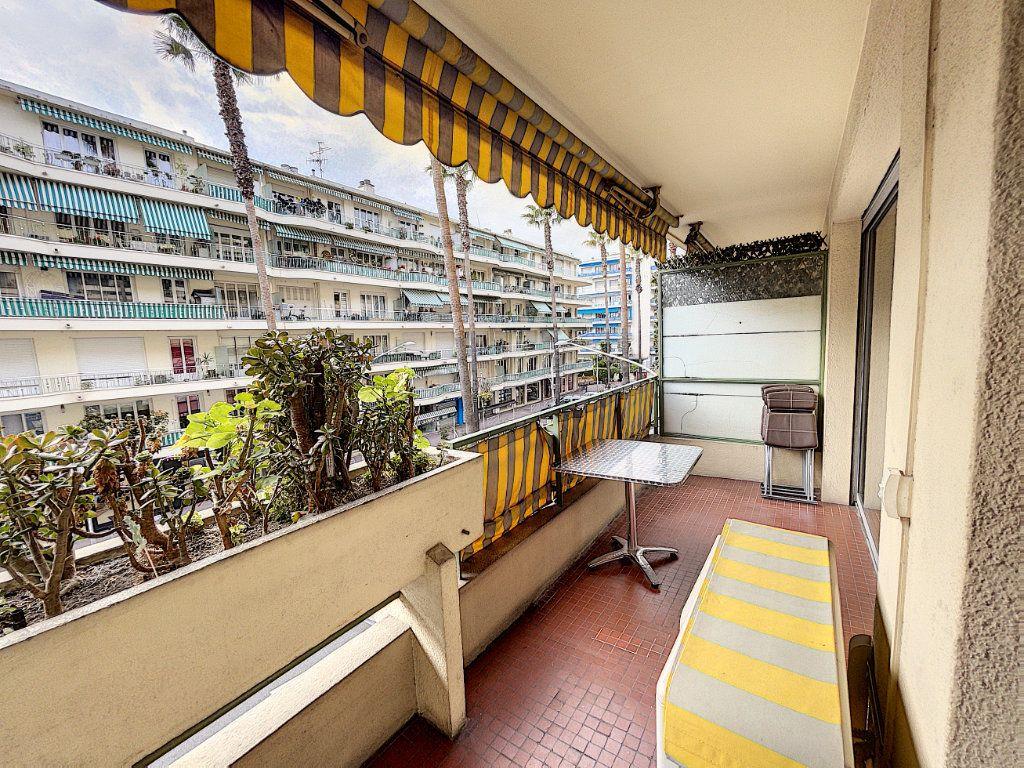 Appartement à louer 1 33.3m2 à Cagnes-sur-Mer vignette-8