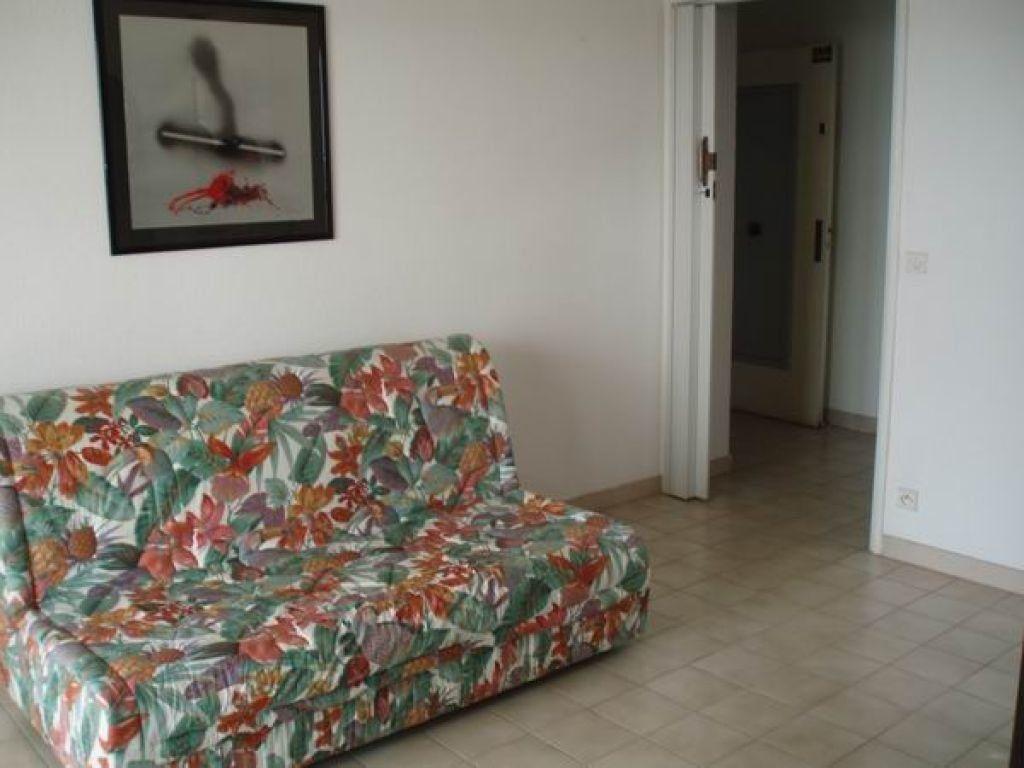 Appartement à louer 2 27.7m2 à Cagnes-sur-Mer vignette-3
