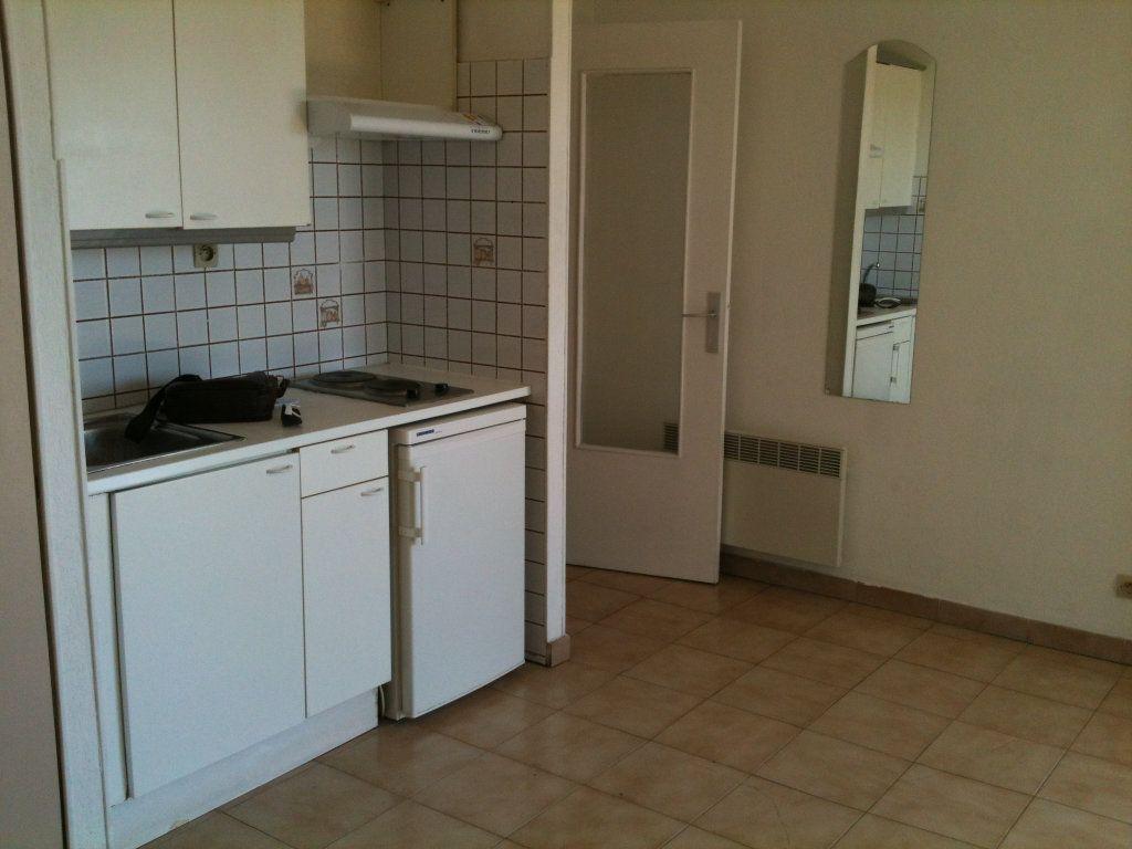 Appartement à louer 1 22.3m2 à Cagnes-sur-Mer vignette-3