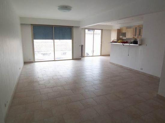 Appartement à vendre 3 82m2 à Cagnes-sur-Mer vignette-2