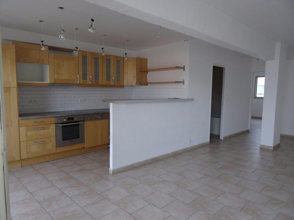 Appartement à vendre 3 82m2 à Cagnes-sur-Mer vignette-3