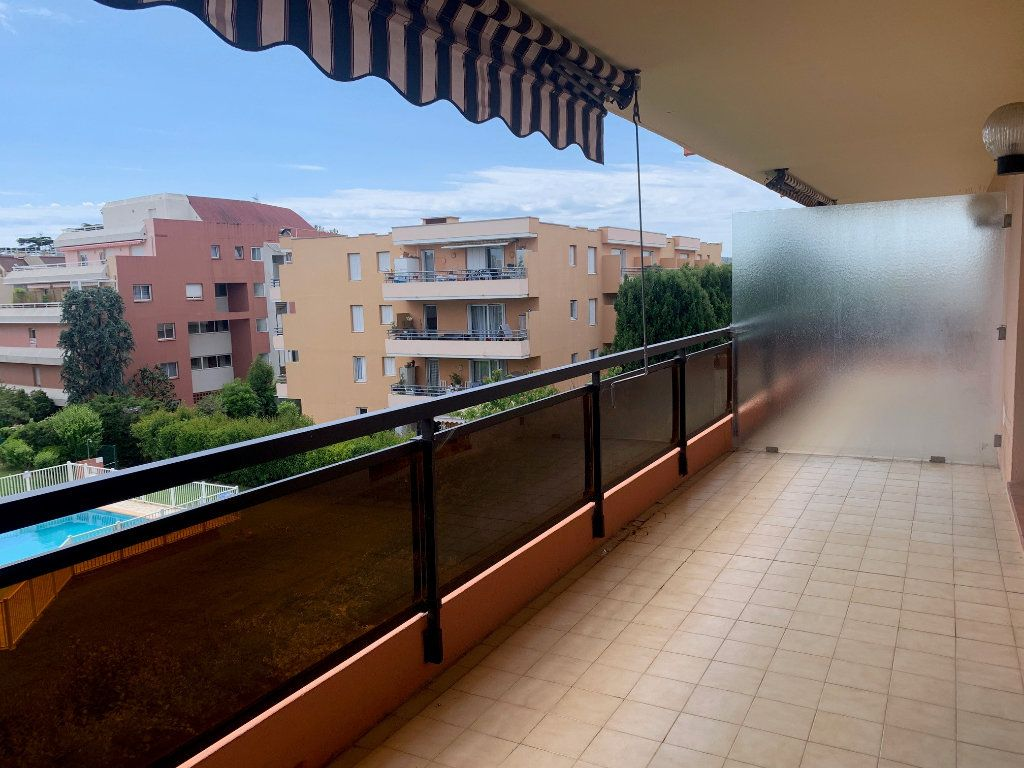 Appartement à louer 3 50m2 à Cagnes-sur-Mer vignette-1