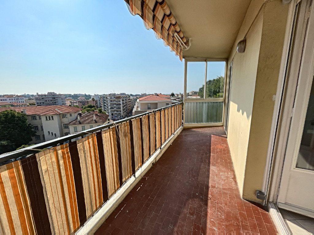 Appartement à louer 2 55.65m2 à Cagnes-sur-Mer vignette-1