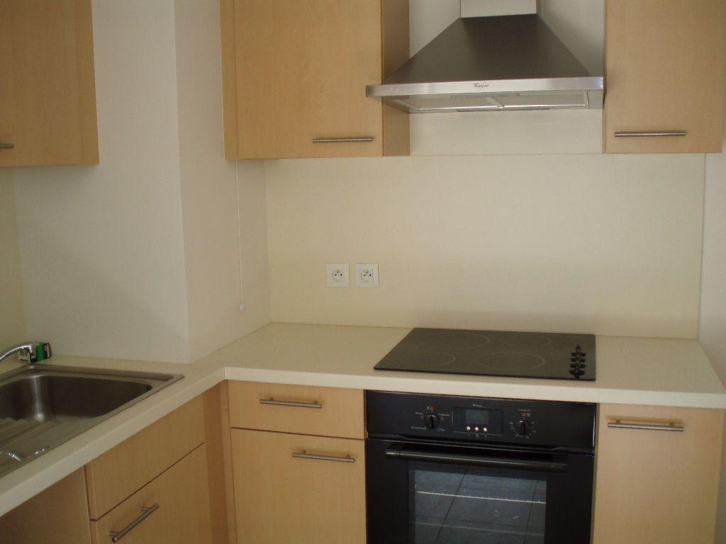 Appartement à louer 3 51.44m2 à Cagnes-sur-Mer vignette-4