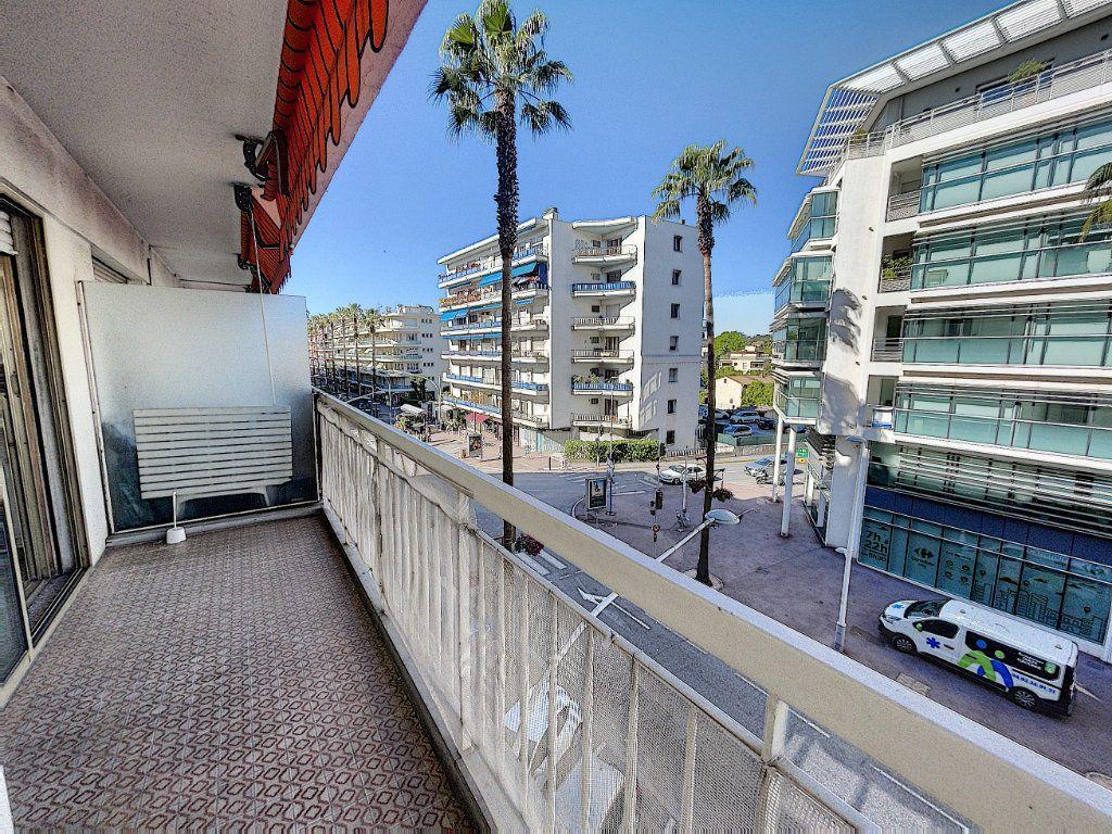 Appartement à vendre 1 25.65m2 à Cagnes-sur-Mer vignette-1