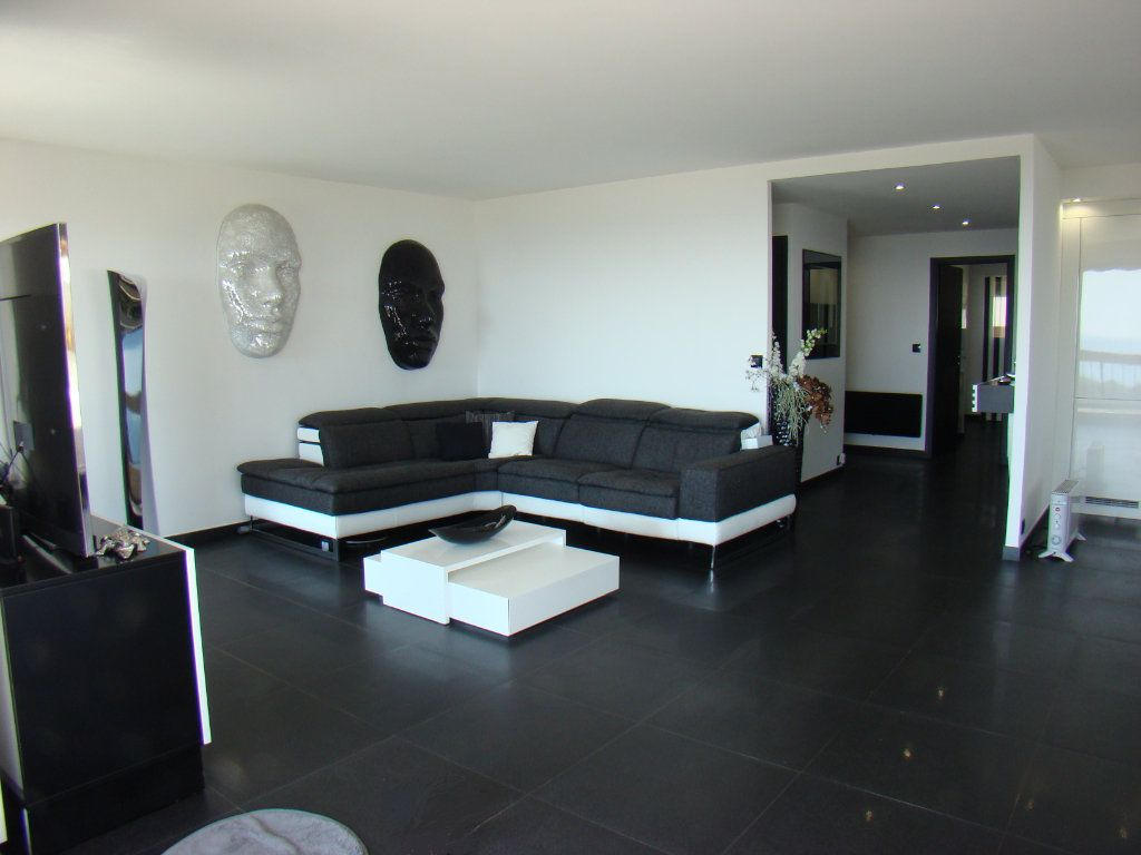 Appartement à vendre 4 108.8m2 à Villeneuve-Loubet vignette-6